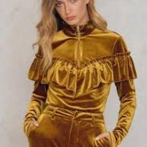 REPOSH Gestuz gold velvet locklyn pullover